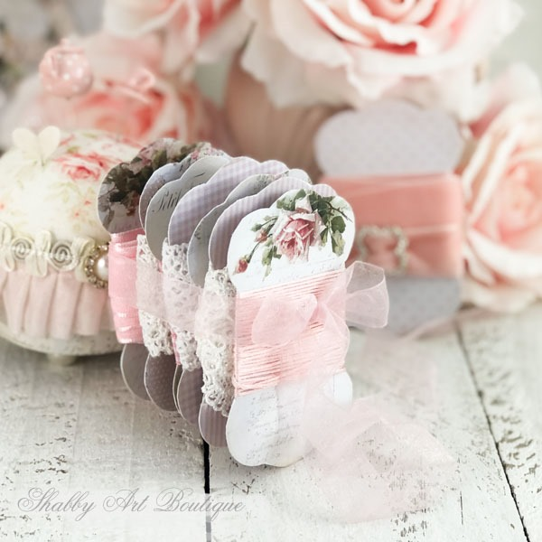 How to make these free printable lace and ribbon holders from Shabby Art Boutique