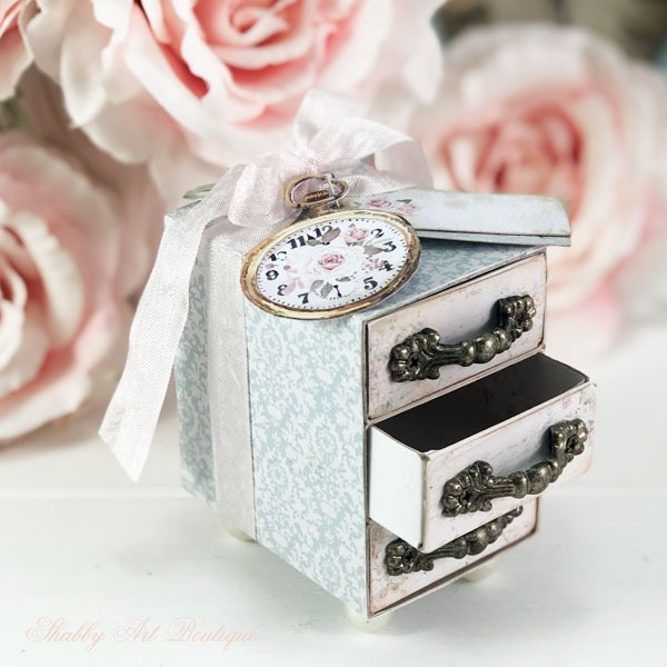 How to make this beautiful Victorian style gift box from Shabby Art Boutique