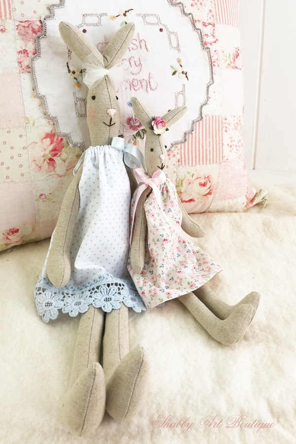 New medium and small sized Blossom Bunny patterns - free to download from Shabby Art Boutique