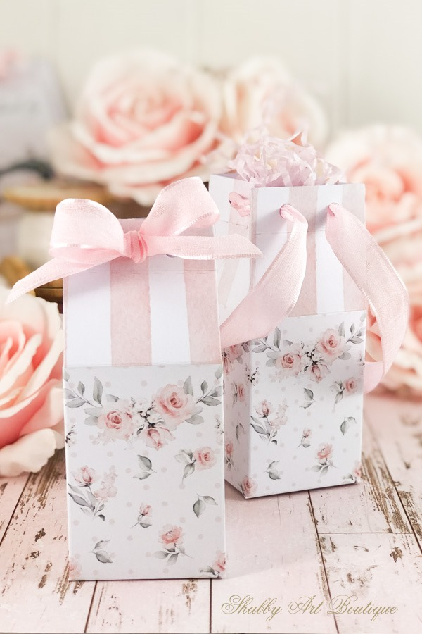 Make these pretty shabby gift boxes for Mothers Day using the free printable from Shabby Art Boutique