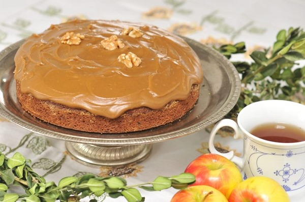Applesauce-Cake-with-Easy-Caramel-Icing-123-scaled